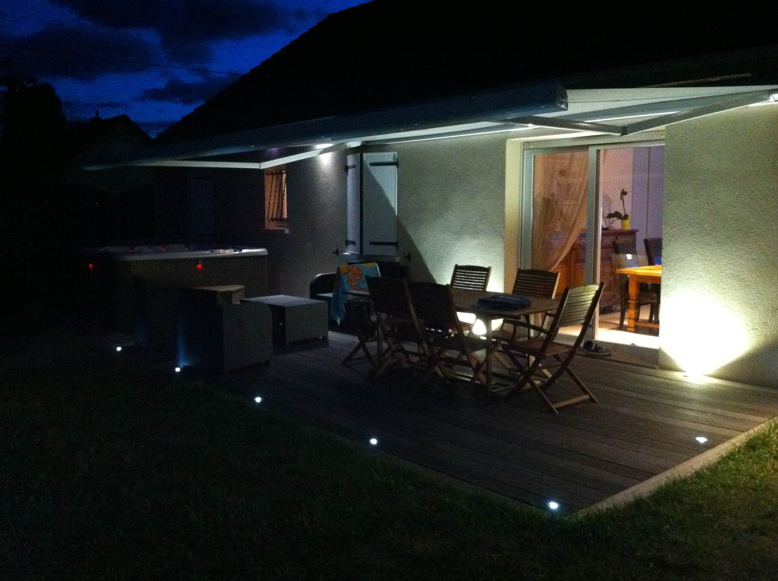 Clairage terrasse led eclairage ext rieur for Eclairage exterieur led terrasse