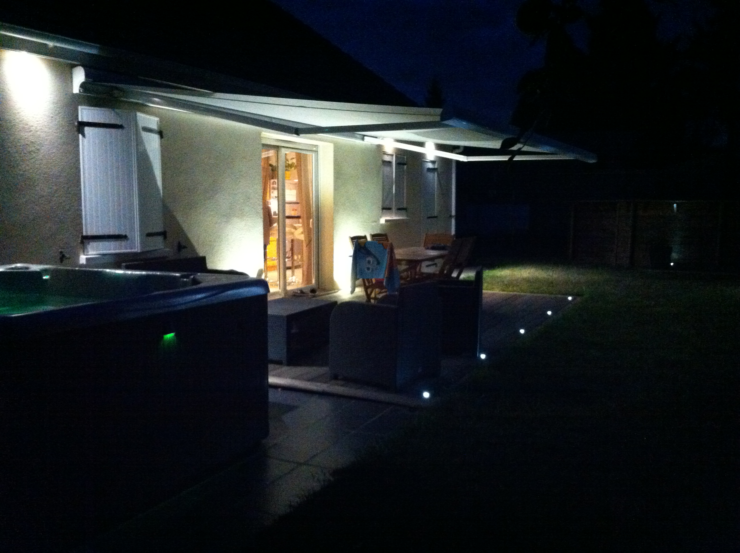 Clairage terrasse led eclairage ext rieur for Eclairage a led exterieur